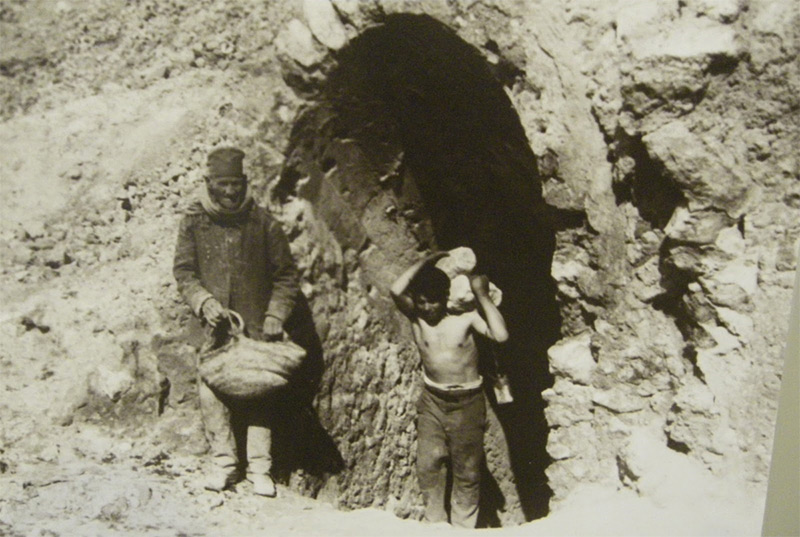 Weird Italy carusi-0001 The lives of the Carusi, the slave miners of Sicily Italian History Italy Crime News and Criminal Investigations Magazine  SULPHUR MINES sicily picuneri old photographs old images of Italy old images mines miners mine-boy Illegal labour Floristella Grottacalda Floristella Child Slavery in Sicily carusu carusi