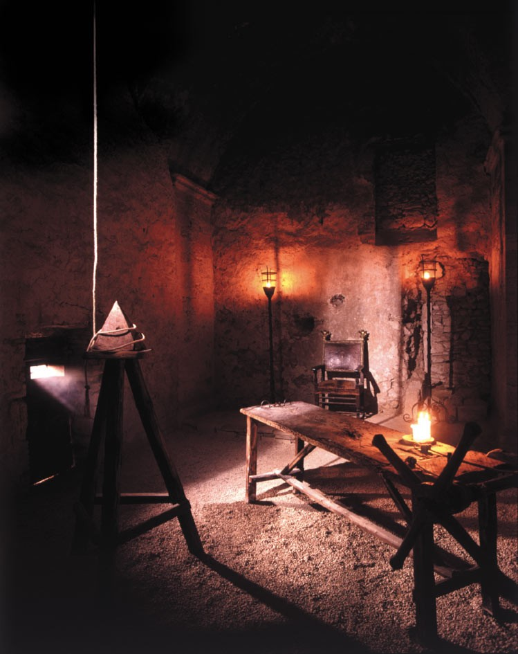 Weird Italy Inquisition-room Narni underground: The Inquisition Trial and the Room of Torment in Narni Featured Italian History Magazine What to see in Italy  utec Umbria torture room torture room of torment roman aqueduct narni underground Marco Cocceio Nerva inquisition trial