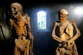 Weird Italy ferentillo-mummies-006-287x191 The Creepy mummies of Ferentillo in Italy Featured Italian History Magazine What to see in Italy  Umbria pilgrims mummies microfungus ferentillo mummies Church of Santo Stefano burial ground bodies