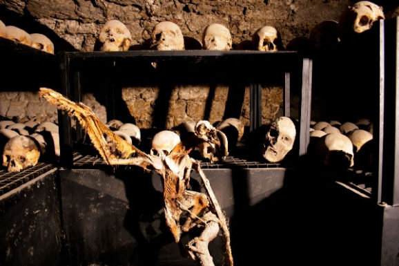 Weird Italy ferentillo-mummies-010-578x385 The Creepy mummies of Ferentillo in Italy Featured Italian History Magazine What to see in Italy  Umbria pilgrims mummies microfungus ferentillo mummies Church of Santo Stefano burial ground bodies