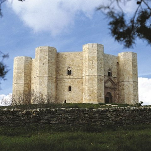 Weird Italy castel-del-monte-001 Castel del Monte, fortress of mysteries Featured Italian History Magazine What to see in Italy  UNESCO puglia military architecture Frederick II castle castel del monte architecture apulia