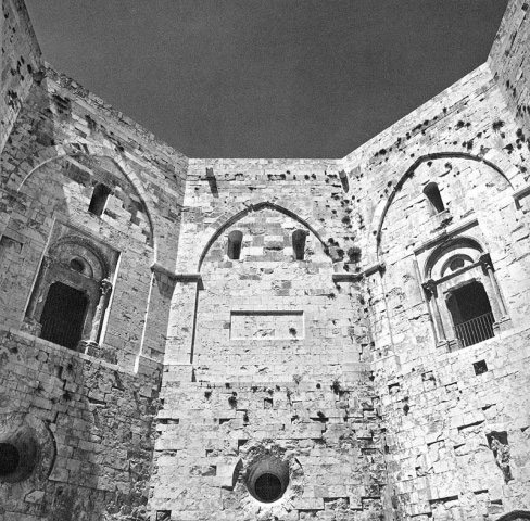 Weird Italy castel-del-monte-013 Castel del Monte, fortress of mysteries Featured Italian History Magazine What to see in Italy  UNESCO puglia military architecture Frederick II castle castel del monte architecture apulia