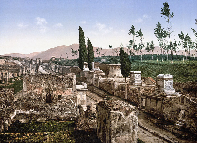 Weird Italy StreetoftheTombs 30 Amazing pictures of Pompeii Featured Italian History Magazine What to see in Italy  romans Pompeii Pliny the Younger Pliny the Elder Mount Vesuvius Imperial Rome Herculaneum graffiti erotic graffiti campania 79 AD