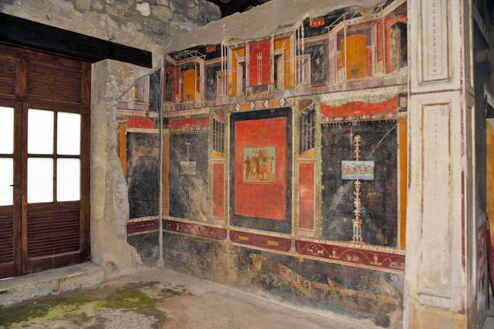 Weird Italy frontone-004 Three amazing Roman Villas reopened in Pompeii Italian History Magazine What to see in Italy  villas the House of Romulus and Remus romans roman architecture Pompeii paintings House of Marco Lucrezio Frontone Home of Triptolemus domus architecture