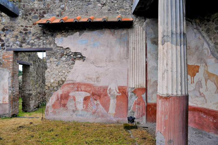 Weird Italy romulus-remus-2 Three amazing Roman Villas reopened in Pompeii Italian History Magazine What to see in Italy  villas the House of Romulus and Remus romans roman architecture Pompeii paintings House of Marco Lucrezio Frontone Home of Triptolemus domus architecture