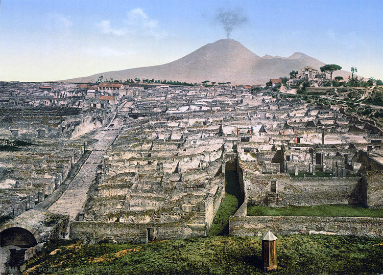 Weird Italy vesuvious 30 Amazing pictures of Pompeii Featured Italian History Magazine What to see in Italy  romans Pompeii Pliny the Younger Pliny the Elder Mount Vesuvius Imperial Rome Herculaneum graffiti erotic graffiti campania 79 AD