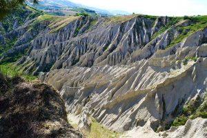Weird Italy calanchi-di-atri-002-300x200 calanchi-di-atri-002