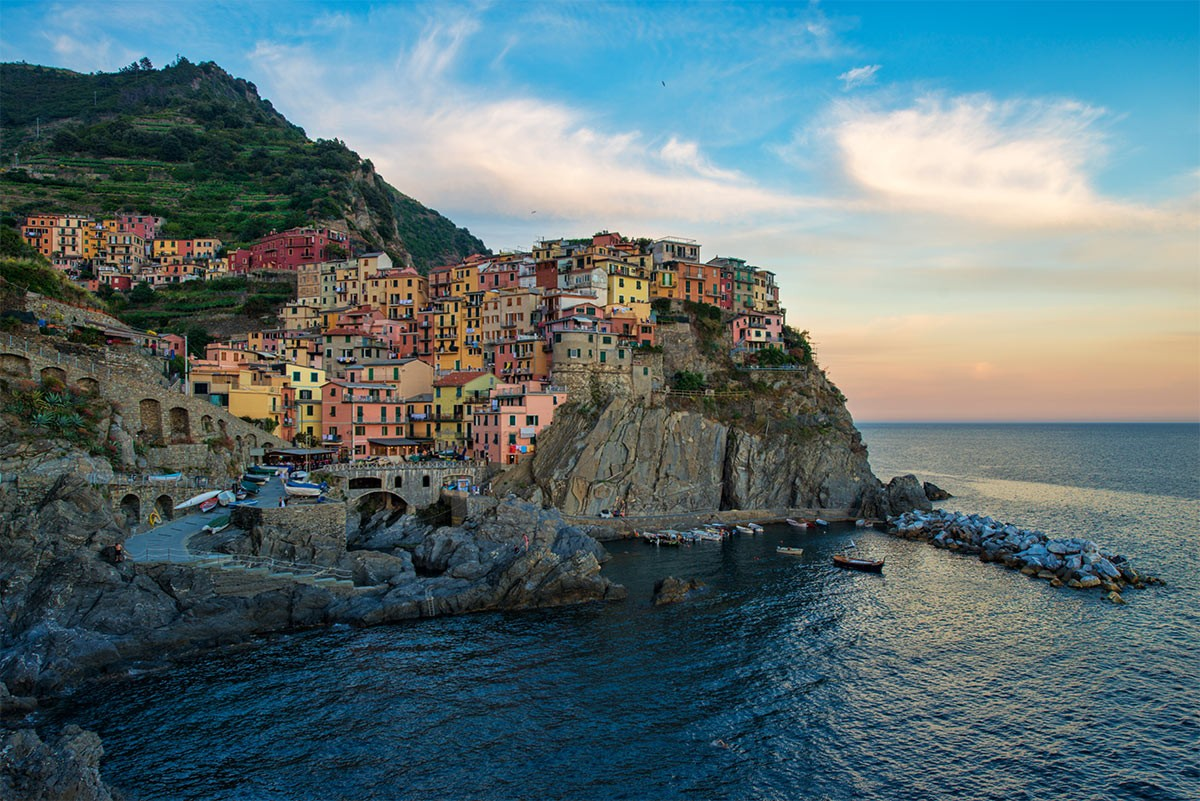 Weird Italy Manarola Enchanting Manarola of The Five Lands Featured Magazine Nature in Italy What to see in Italy  world heritage UNESCO seaside sea nature reserve mar tirreno manarola liguria cinque terre
