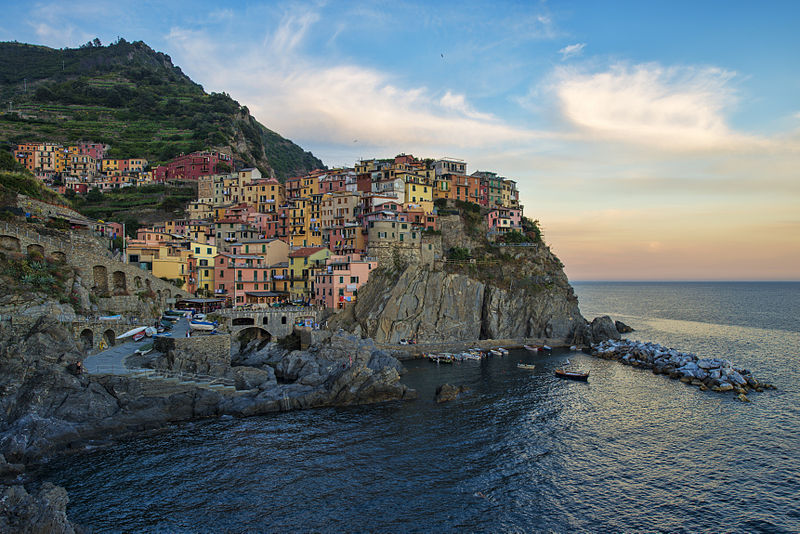 Weird Italy manarola-002 Enchanting Manarola of The Five Lands Featured Magazine What to see in Italy  world heritage UNESCO seaside sea nature reserve mar tirreno manarola liguria cinque terre