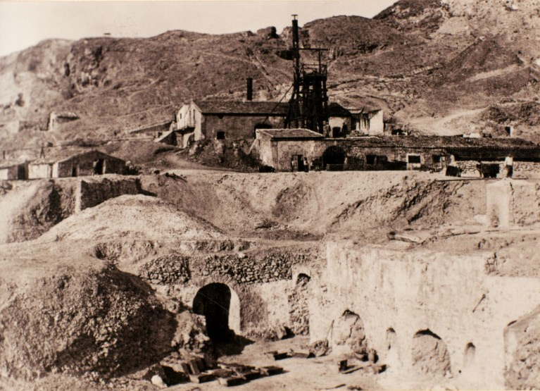 Weird Italy floristella-1905 The lives of the Carusi, the slave miners of Sicily Featured Italian History Italy Crime News and Criminal Investigations Magazine  SULPHUR MINES sicily picuneri old photographs old images of Italy old images mines miners mine-boy Illegal labour Floristella Grottacalda Floristella Child Slavery in Sicily carusu carusi