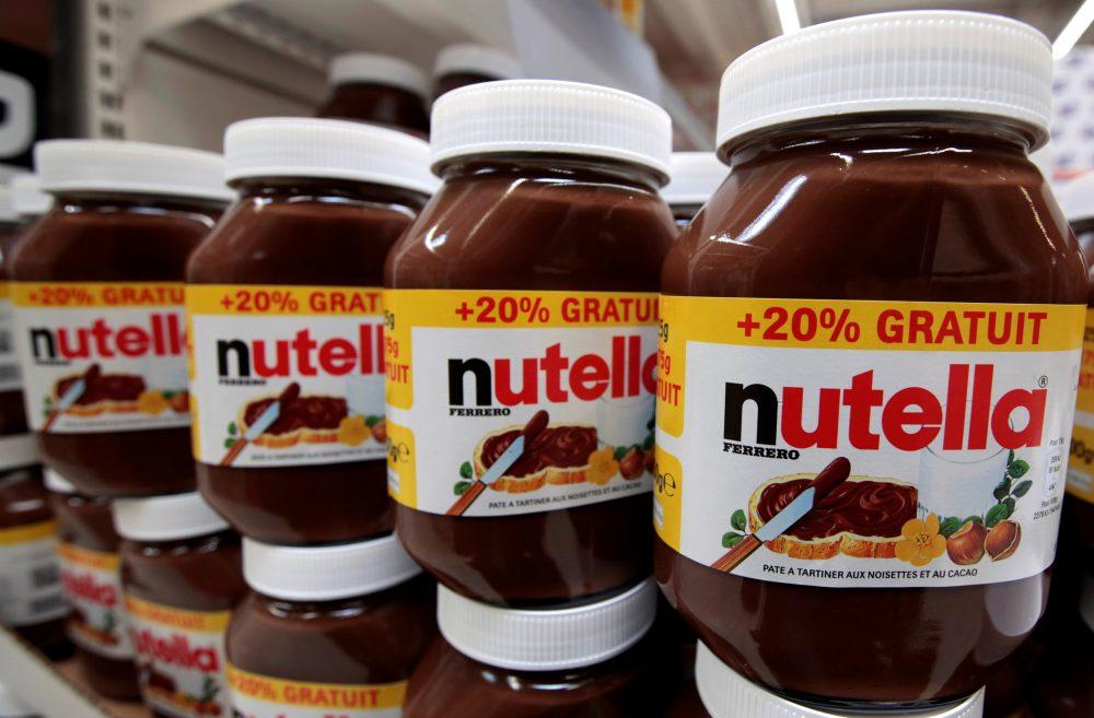Weird Italy 2017-01-11T105952Z_3_LYNXMPED0A0BO_RTROPTP_4_ITALY-FERRERO-NUTELLA-e1484134291884 Nutella maker fights back on palm oil after cancer risk study Italian Dishes and Food Latest Italian News and Videos  Palm oil Nutella food safety Ferrero European Food Safety Authority