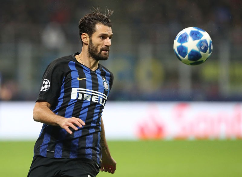 Weird Italy Italian-soccer-player-Candreva-will-pay-the-school-canteen-fee-for-the-child-forced-to-eat-tuna-and-crackers Italian soccer player Candreva will pay the school canteen fee for the child forced to eat tuna and crackers Latest Italian News and Videos  Antonio Candreva