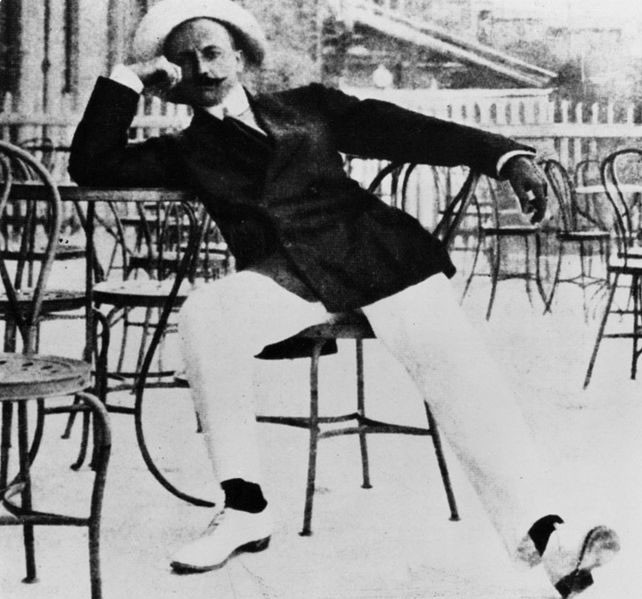 Weird Italy marinetti-2 The Manifesto of Futurist Cooking, A Meal that Prevented a Suicide Featured Italian Art, Design & Photography Italian Dishes and Food  italian recipe futurism fascism