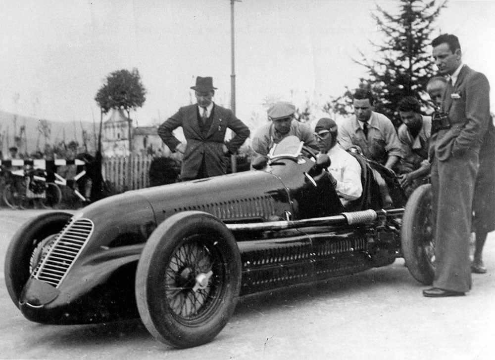 Weird Italy 1940-04-xx-Maserati-4CL-NuvolariMaserati-team Top Italian car brands Featured Italian Art, Design & Photography  pininfarina pagani bertone