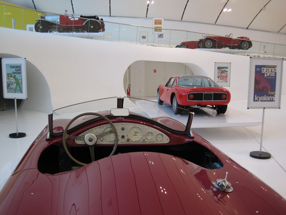 Weird Italy Musée-Enzo-Ferrari-0022 Top Italian car brands Featured Italian Art, Design & Photography  pininfarina pagani bertone
