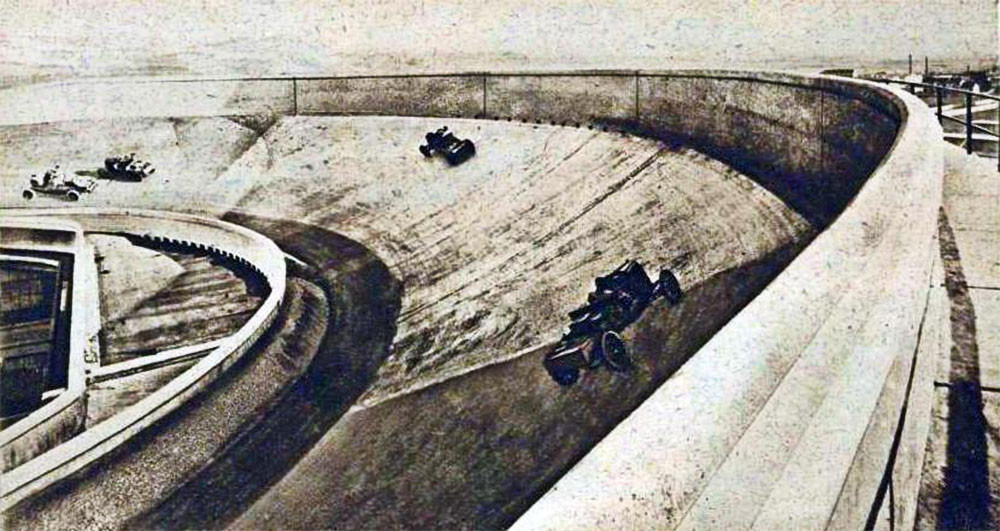 Weird Italy The-autodrome-on-the-roof-of-the-Fiat-factories-in-Turin-at-the-Lingotto-1928 Top Italian car brands Italian Art, Design & Photography  pininfarina pagani bertone