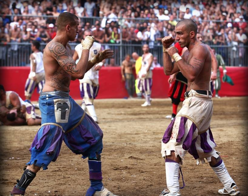 Weird Italy 1D89E8CB-83BF-4864-B043-3D3EDB83D016 Calcio Fiorentino, what is it, images and history of the ancestor of football Featured Italian History Italian People What to see in Italy  tuscany sport