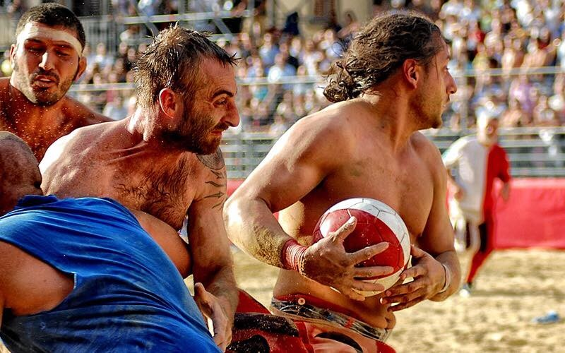 Weird Italy 8646D44F-4056-4C42-9879-97676C24F363 Calcio Fiorentino, what is it, images and history of the ancestor of football Featured Italian History Italian People What to see in Italy  tuscany sport