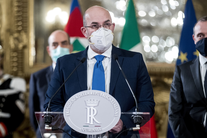 Weird Italy m5s-wants-new-conte-executive-crimi M5S wants new Conte executive - Crimi What happened in Italy today