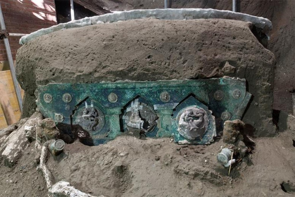 Weird Italy Roman-Chariot-discovered-at-Pompeii-4 Roman Chariot discovered at Pompeii Featured Italian History Latest Italian News and Videos  roman history Pompeii cities built by the romans