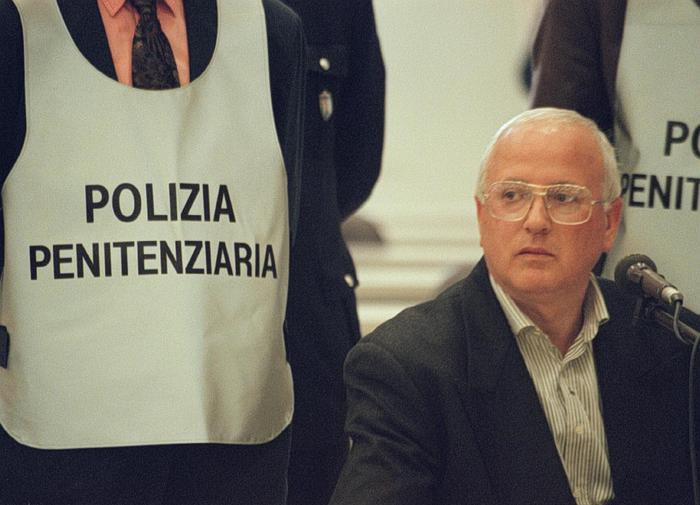 Weird Italy camorra-boss-cutolo-dies-in-prison Camorra boss Cutolo dies in prison What happened in Italy today