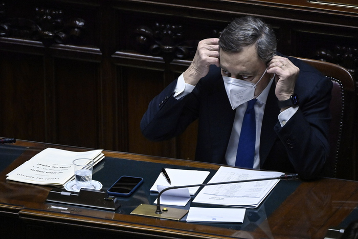 Weird Italy draghi-faces-house-confidence-test-after-senate-triumph Draghi faces House confidence test after Senate triumph What happened in Italy today