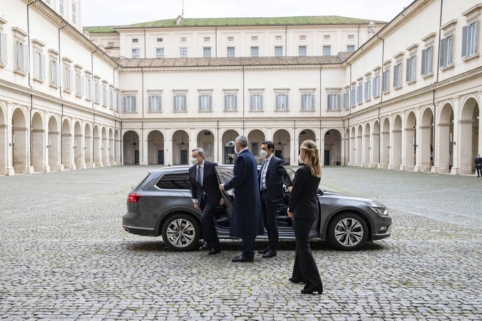 Weird Italy draghi-gets-premier-mandate-from-mattarella Draghi gets premier mandate from Mattarella What happened in Italy today