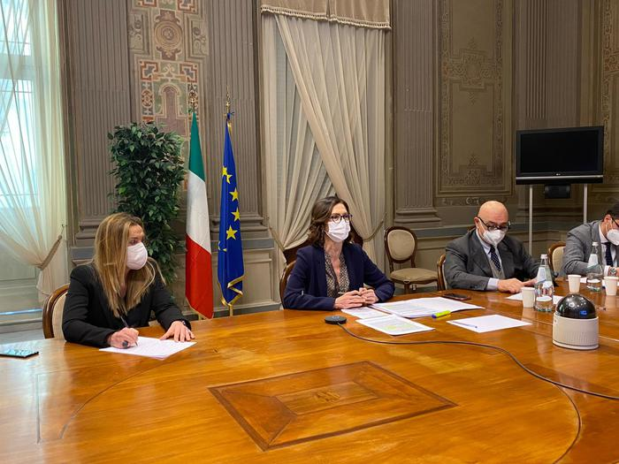 Weird Italy govt-regions-hold-talks-on-new-covid-measures Govt, regions hold talks on new COVID measures What happened in Italy today
