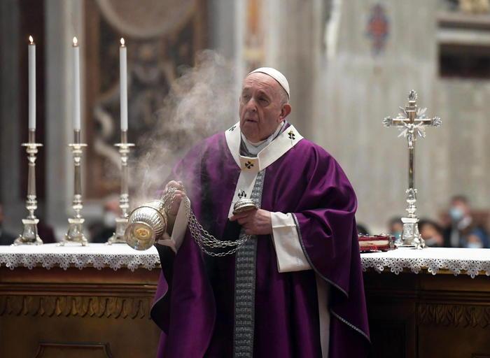 Weird Italy lent-return-journey-to-god-says-pope-on-ash-wednesday Lent return journey to God says Pope on Ash Wednesday What happened in Italy today