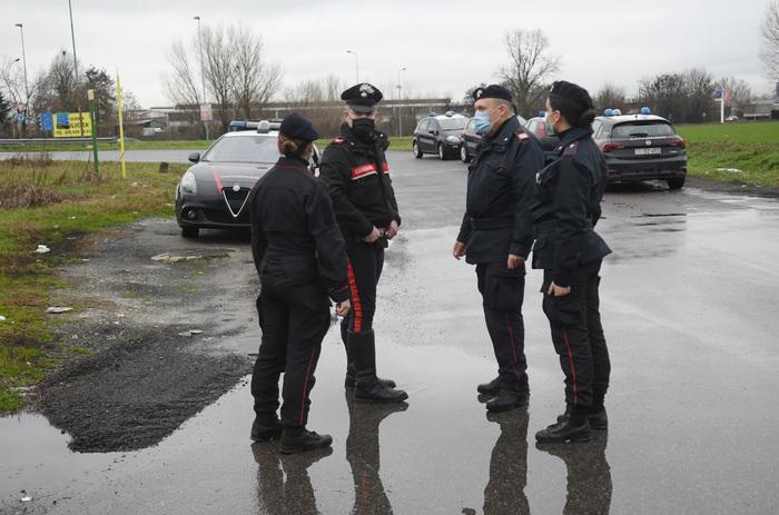 Weird Italy man-arrested-for-stabbing-partner-to-death-in-street Man arrested for stabbing partner to death in street What happened in Italy today