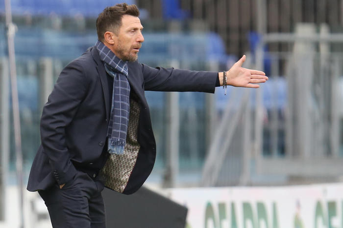 Weird Italy soccer-cagliari-sack-di-francesco Soccer: Cagliari sack Di Francesco What happened in Italy today