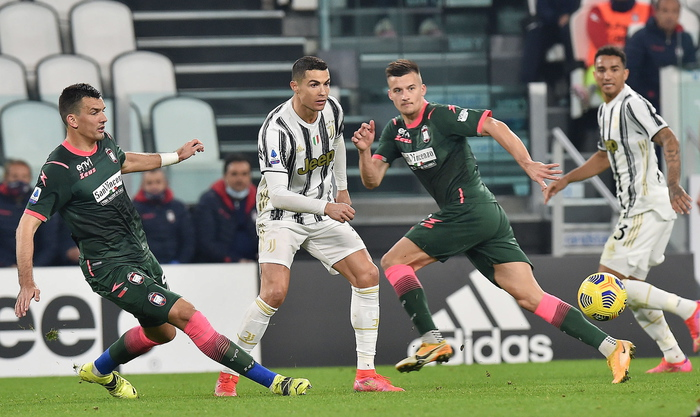 Weird Italy soccer-ronaldo-puts-juve-back-in-third-place Soccer: Ronaldo puts Juve back in third place What happened in Italy today