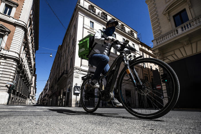 Weird Italy uber-eats-adopts-health-safety-protocol-for-riders Uber Eats adopts health, safety protocol for riders What happened in Italy today