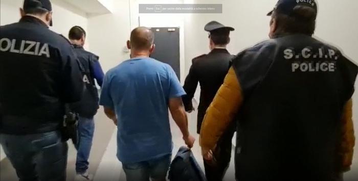 Weird Italy 11-arrests-in-scu-murder-in-bari 11 arrests in SCU murder in Bari What happened in Italy today