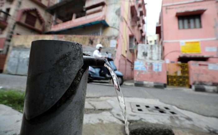 Weird Italy italy-wastes-9-billion-litres-of-water-a-day-say-greens Italy wastes 9 billion litres of water a day say Greens What happened in Italy today