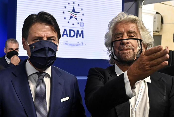 Weird Italy m5s-looking-long-term-with-conte-says-grillo M5S looking long-term with Conte says Grillo What happened in Italy today