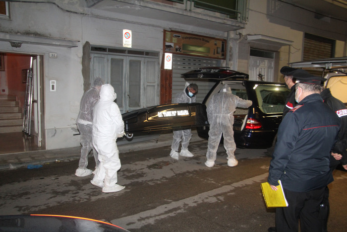 Weird Italy man-hangs-himself-after-killing-wife-mother-in-law Man hangs himself after killing wife, mother-in-law What happened in Italy today