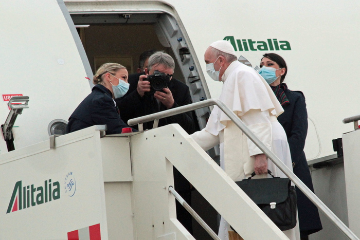 Weird Italy pilgrim-of-peace-pope-francis-flies-to-baghdad 'Pilgrim of peace' Pope Francis flies to Baghdad What happened in Italy today