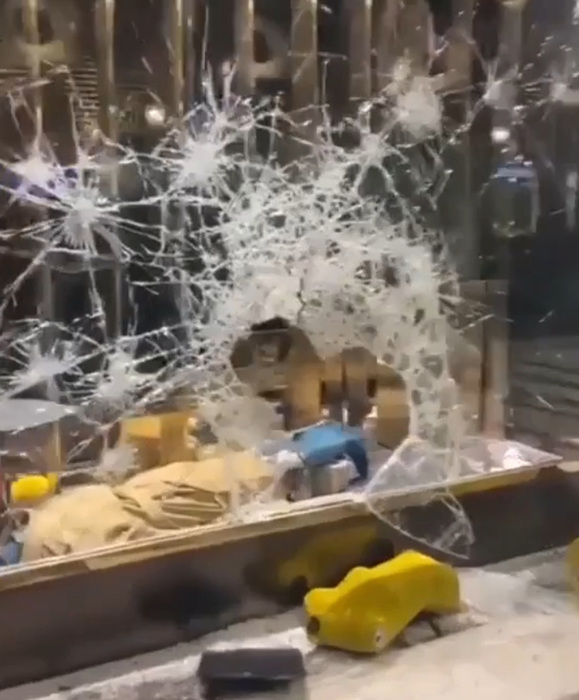 Weird Italy police-make-wave-of-arrests-over-turin-rioting-looting Police make wave of arrests over Turin rioting, looting What happened in Italy today