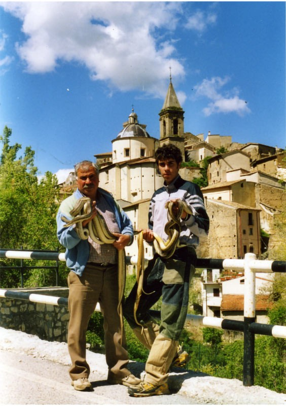 Weird Italy Festival-of-the-Snake-Catchers-10 The Festival of the Snake-Catchers in Italy Featured Italian History What to see in Italy  paganism marsi people folklore catholic abruzzo
