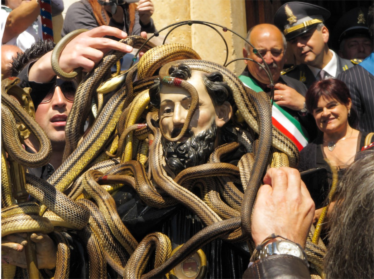 Weird Italy Festival-of-the-Snake-Catchers-9 The Festival of the Snake-Catchers in Italy Featured Italian History What to see in Italy  paganism marsi people folklore catholic abruzzo