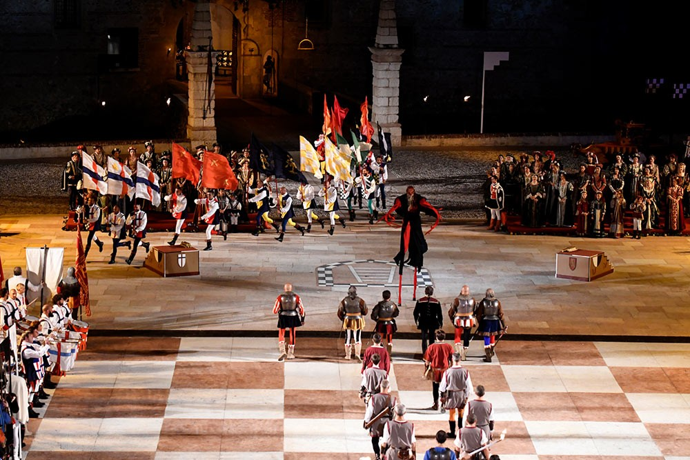 Weird Italy The-Human-Chess-of-Marostica-007 The Human Chess of Marostica, Italy Featured Italian History What to see in Italy  veneto chess
