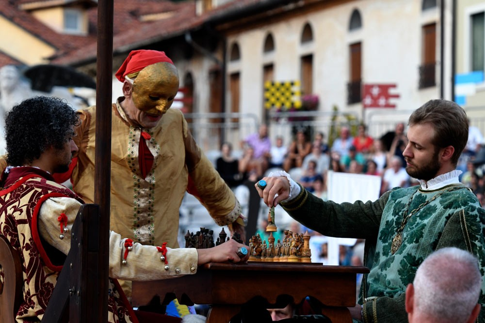 Weird Italy The-Human-Chess-of-Marostica-008 The Human Chess of Marostica, Italy Featured Italian History What to see in Italy  veneto chess