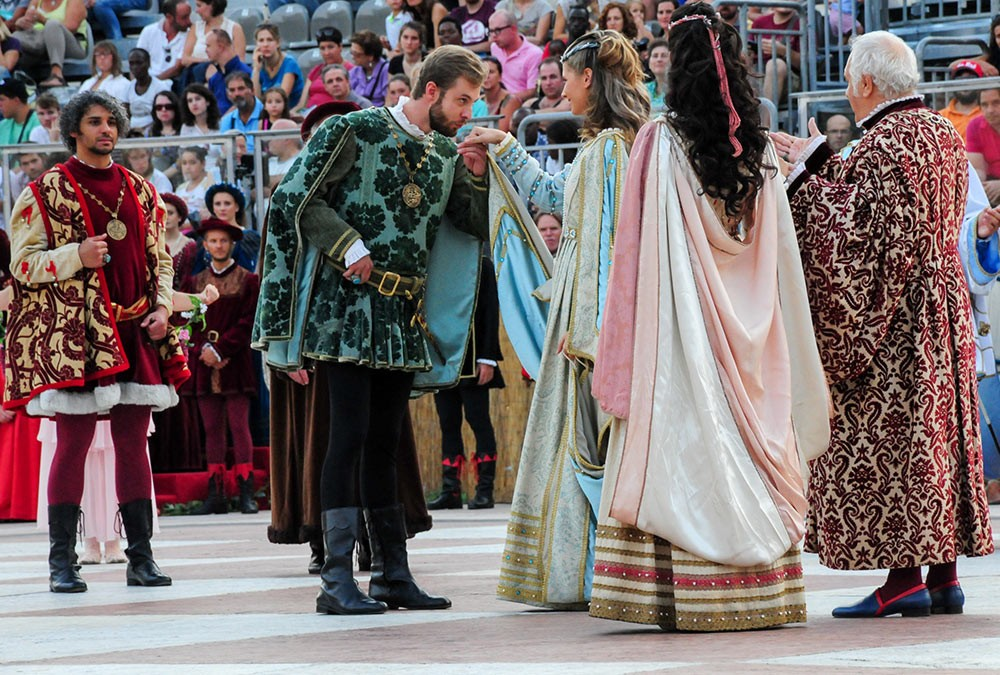 Weird Italy The-Human-Chess-of-Marostica-10 The Human Chess of Marostica, Italy Featured Italian History What to see in Italy  veneto chess