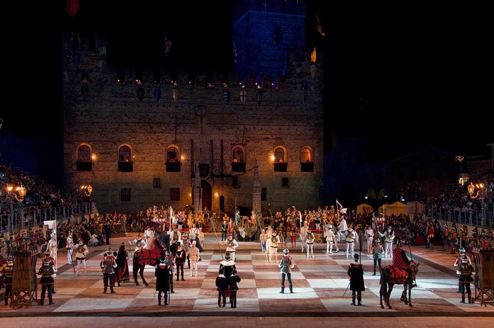 Weird Italy The-Human-Chess-of-Marostica-12 The Human Chess of Marostica, Italy Featured Italian History What to see in Italy  veneto chess