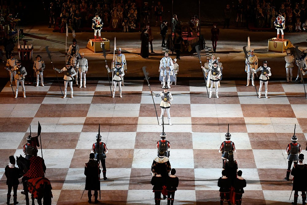 Weird Italy The-Human-Chess-of-Marostica-intro The Human Chess of Marostica, Italy Featured Italian History What to see in Italy  veneto chess
