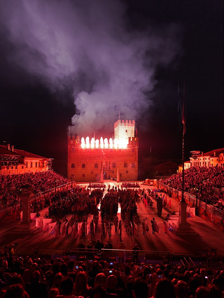 Weird Italy The-Human-Chess-of-Marostica11 The Human Chess of Marostica, Italy Featured Italian History What to see in Italy  veneto chess