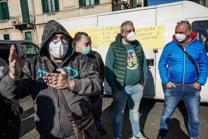 Weird Italy turin-market-traders-block-street-in-covid-lockdown-protest Turin market traders block street in COVID lockdown protest What happened in Italy today