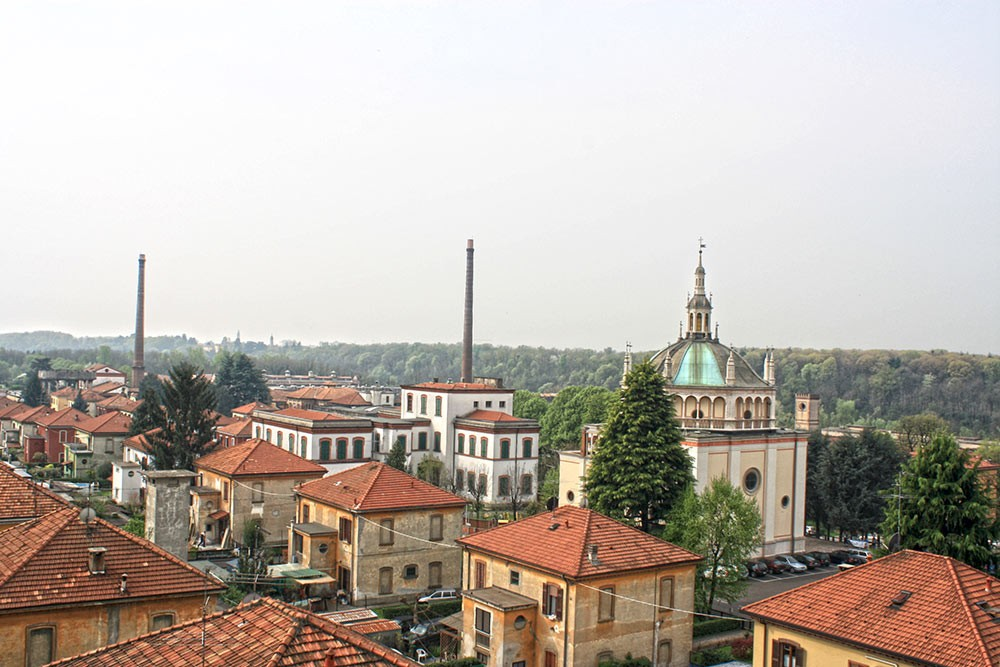 Weird Italy Crespi-dAdda-view Crespi d'Adda: The Model Village Featured Italian Art, Design & Photography Italian History What to see in Italy  UNESCO lombardia industrial architecture