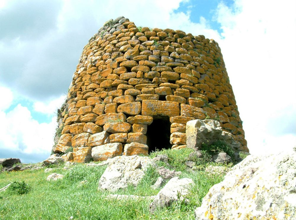 Weird Italy The-Ancient-Megalithic-Nuraghes-in-Sardinia-10 Facts, History & Pictures of the Ancient Megalithic Nuraghes in Sardinia Featured Italian History What to see in Italy  sardinia neolithic castle